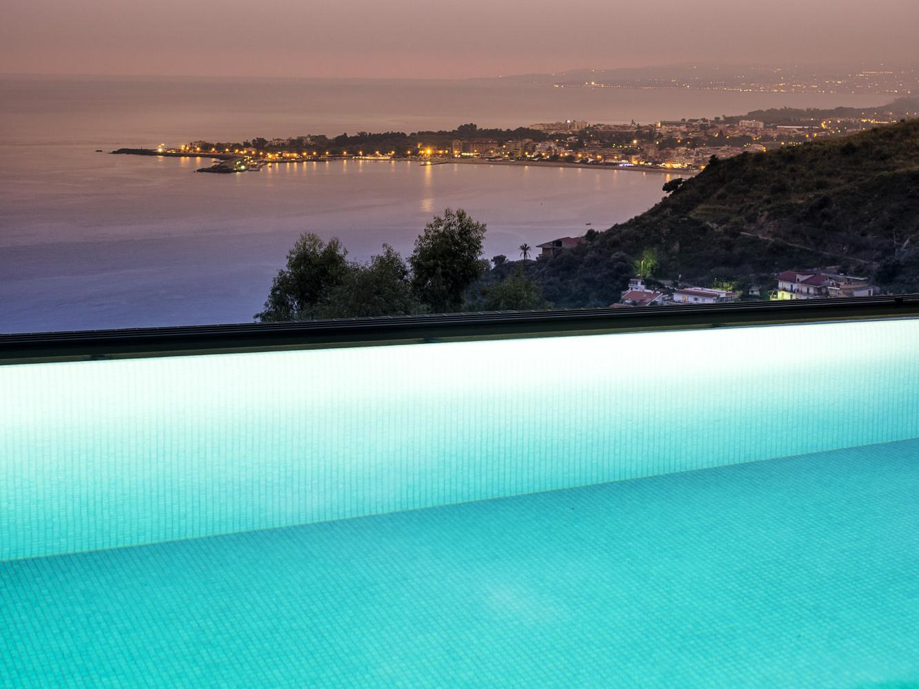 Swimming Pool - Apartments in Taormina - Luxury Residence Taormina - Room rent- Holiday homes - Sea Residence